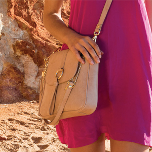 Monk Leather, Jordan shoulder bag, camel, Lifestyle image 01