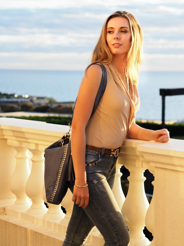 Monk Leather, Paige slouch tote bag, denim blue, Lifestyle image 03